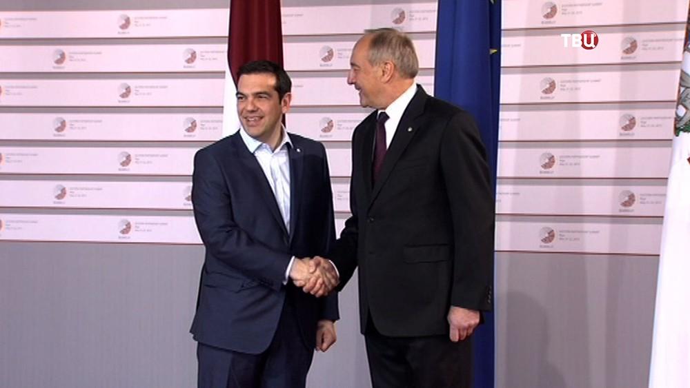 Премьер-министр Греции Алексис Ципрас и президент Латвии Андрис Берзиньш