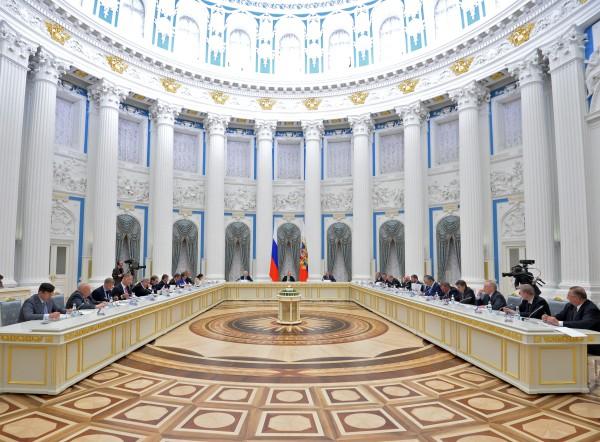 Во время заседания в Кремле попечительского совета