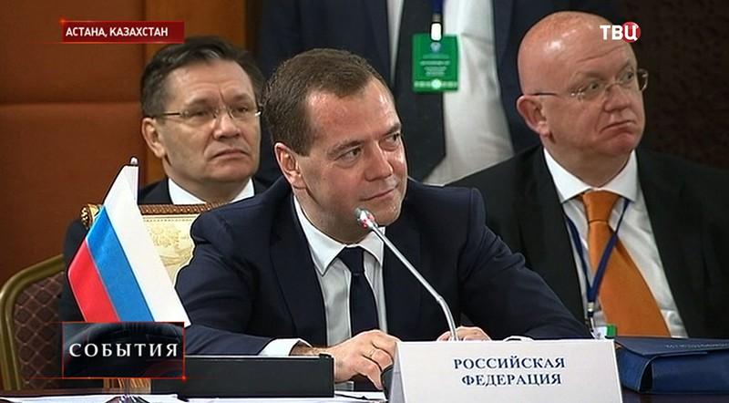 Дмитрий Медведев на Совете глав правительств СНГ