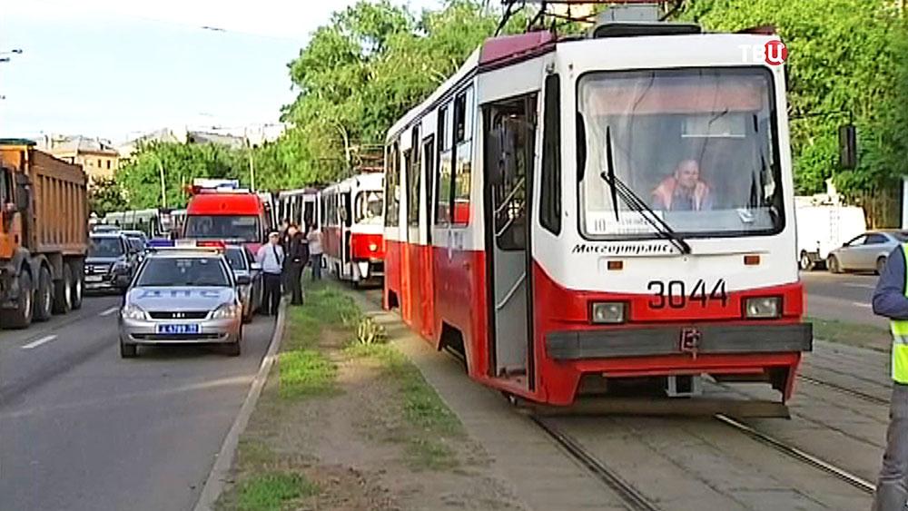 Очередь из трамваев