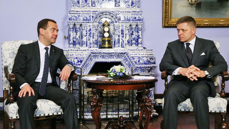 Председатель правительства России Дмитрией Медведев и премьер-министр Словакии Роберт Фицо