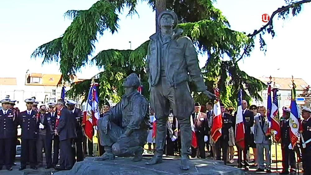 "Памятник эскадрильи ""Нормандия - Неман"""