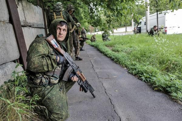 Ополченцы ДНР в Донбассе