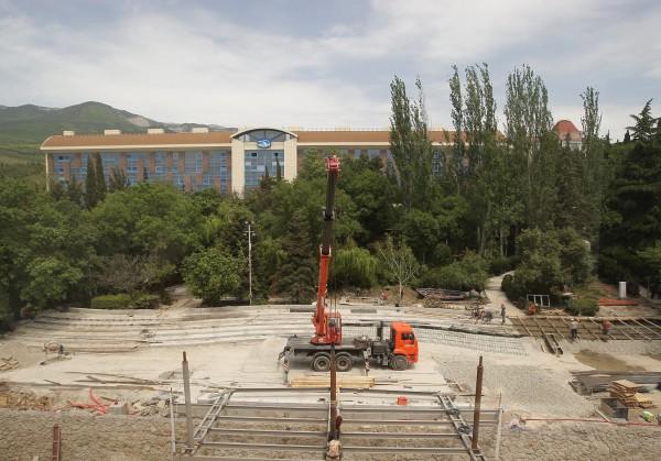 """Завершение строительных работ в лагере """"Артек"""""""