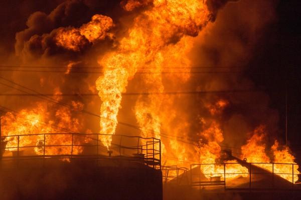 На месте пожара на территории нефтебазы