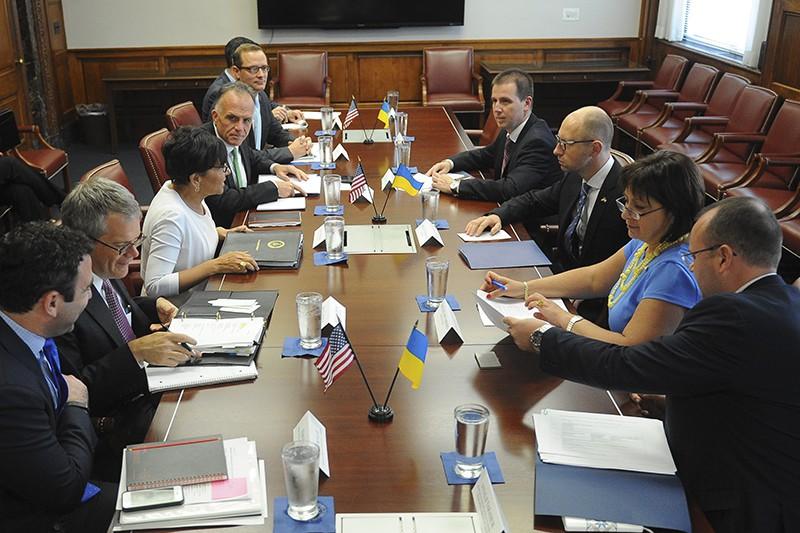 Встреча премьер министра Украины Арсения Яцинюка с министром торговли США Пенни Притцкер