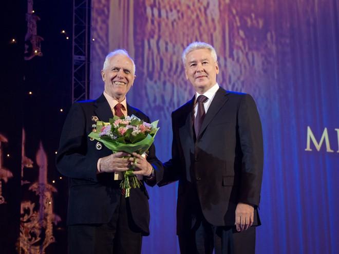 Мэр Москвы Сергей Собянин награждает медицинских работников