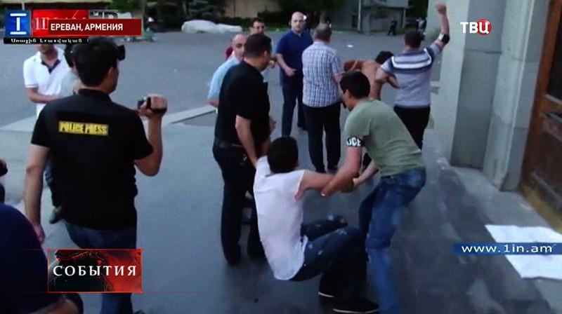 Акция против повышения тарифов в Армении
