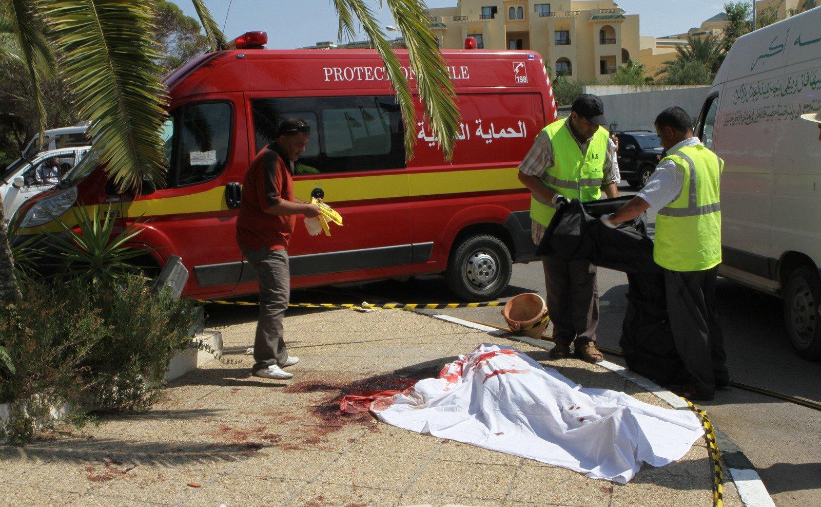 Жертва нападения на отели в Тунисе