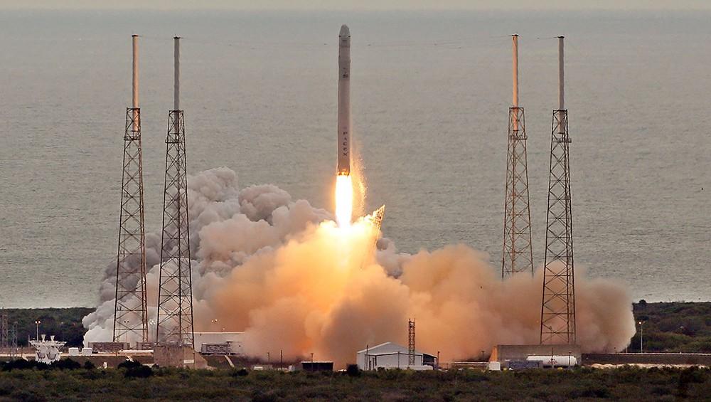 Запуск ракета-носителz Falcon