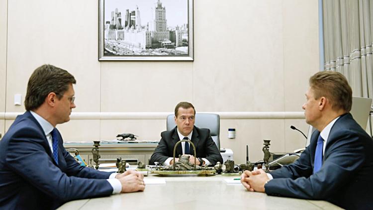 Александр Новак, Дмитрий Медведев и Алексей Миллер
