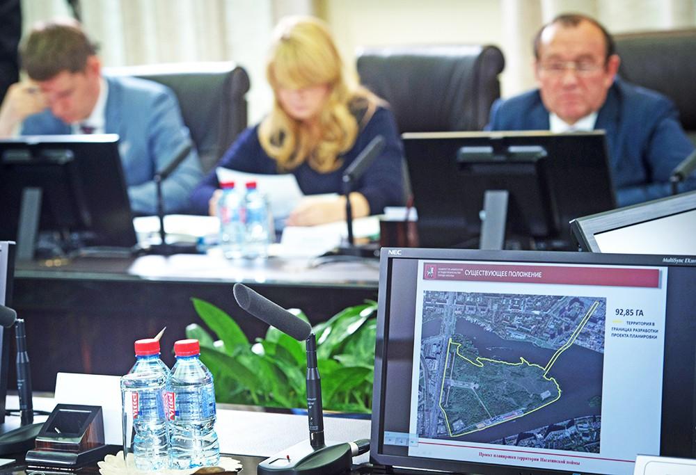 Обсуждение строительства парка развлечений в районе Нагатинской поймы
