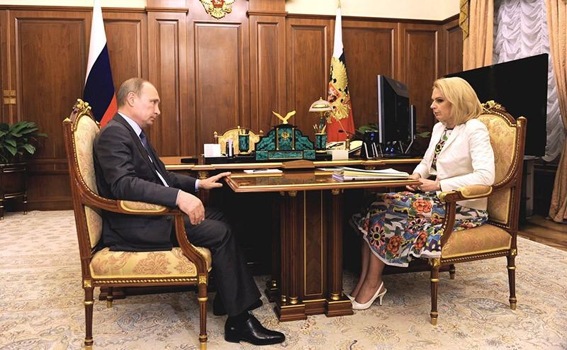 Владимир Путин с главой Счетной палаты Татьяной Голиковой