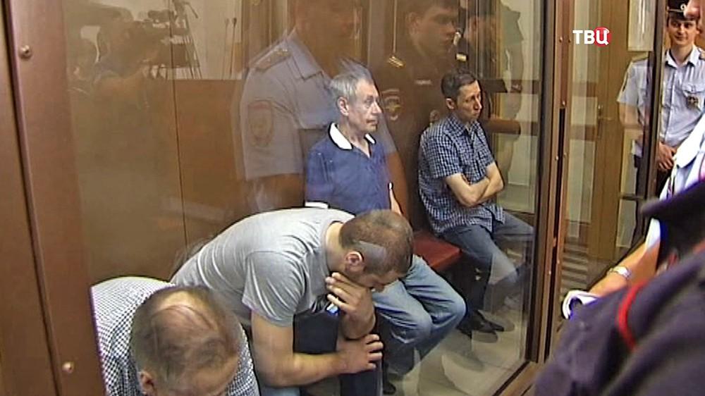 Фигуранты по делу об аварии в московском метро в суде