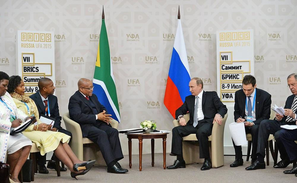 Президент Российской Федерации Владимир Путин и президент Южно-Африканской Республики Джейкоб Зума