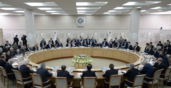 Заседание Совета глав государств-членов ШОС в расширенном составе с участием делегаций