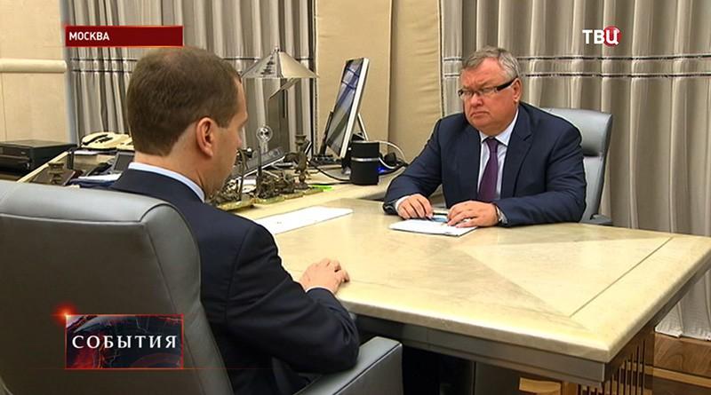 Дмитрий Медведев на встрече с председателем правления ВТБ Андрей Костин