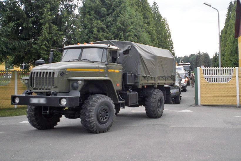 Колонна военной техники Нацгвардии Украины