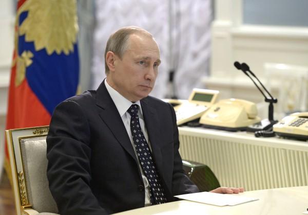 Президент России Владимир Путин в ситуационном центре в Кремле в режиме видеоконференции принимает участие в едином дне приёмки военной продукции