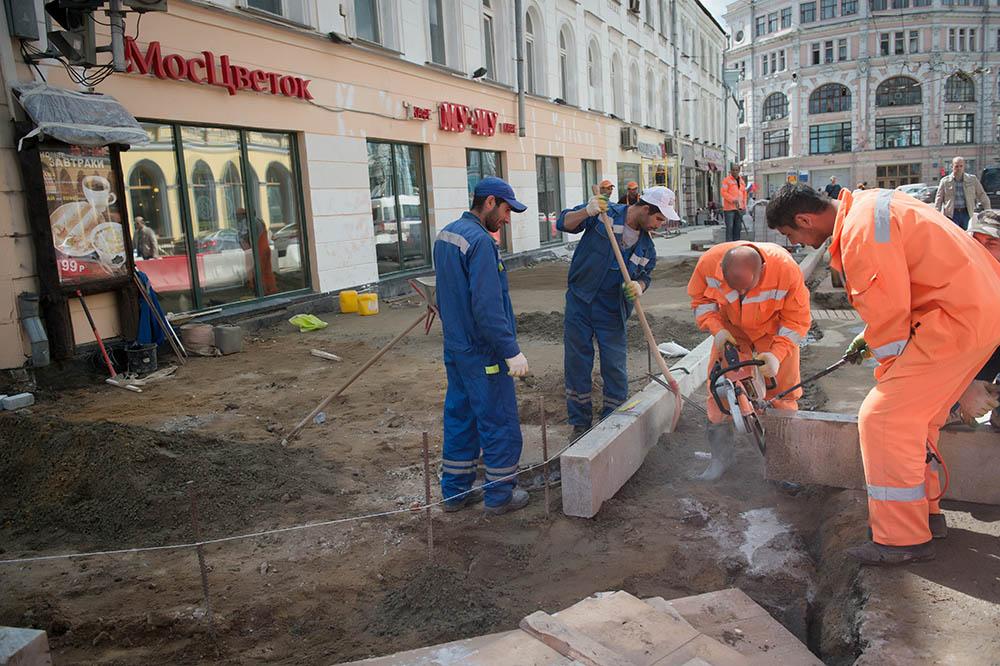 Осмотр хода благоустройства улиц Москвы