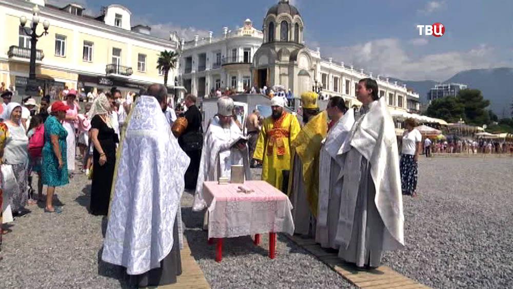 Церемония крещения в Крыму