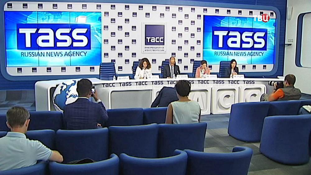Пресс-конференция Общественной палаты России