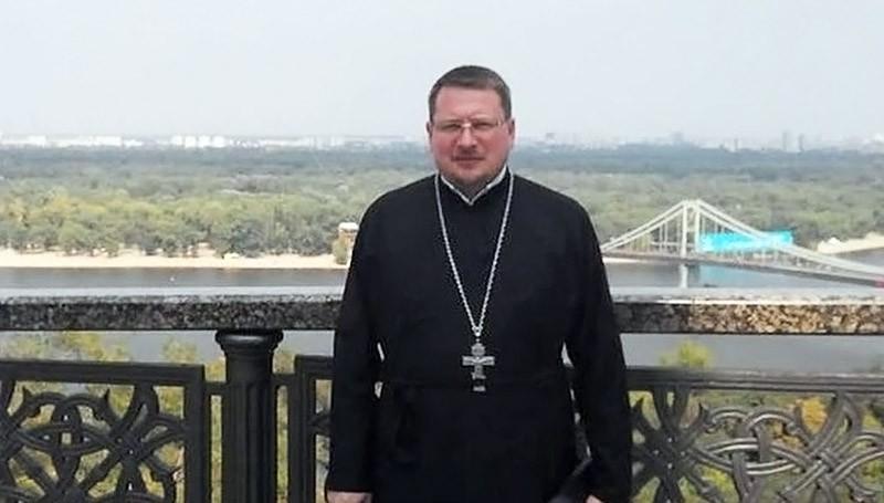 Священник Роман Николаев