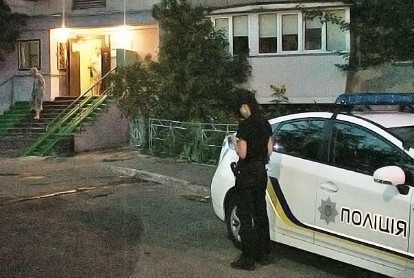 Киевская полиция на месте убийства священника Романа Николаева