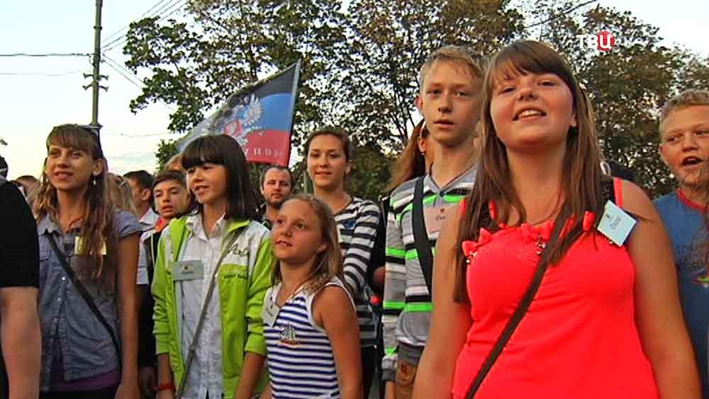 Дети из Донбасса пообщались с байкерами