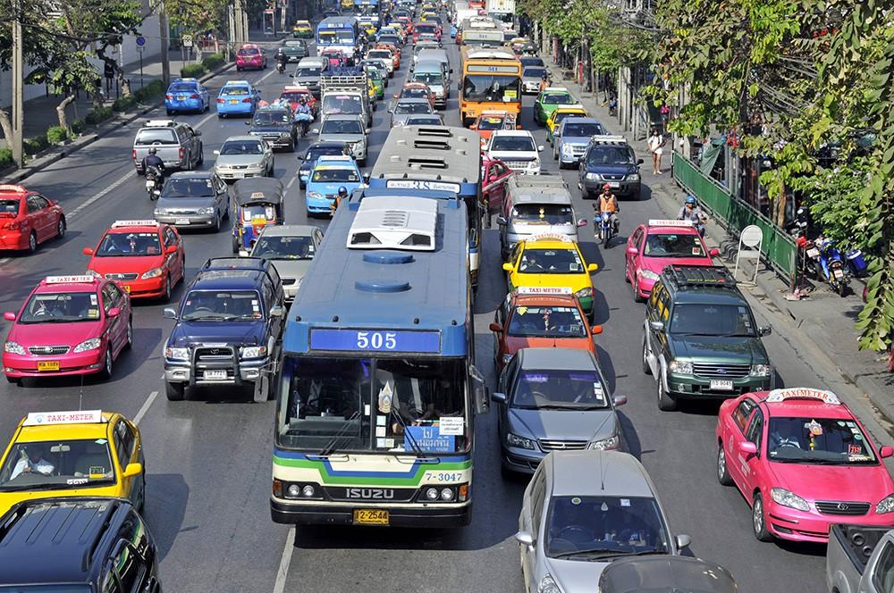 Автомобильная пробка в Индонезии