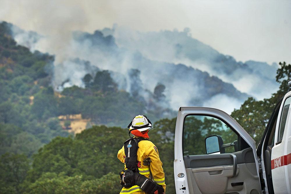 В Калифорнии лесные пожары угрожают знаменитой долине Напа