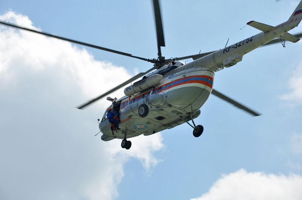 Вертолёт МЧС Ми-8