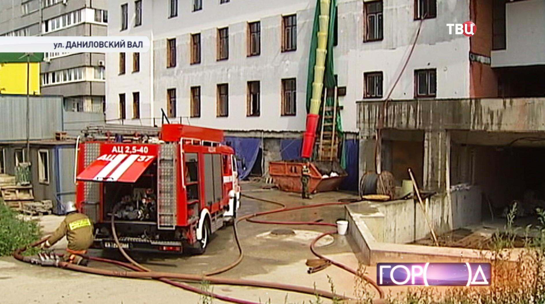 Пожарный расчет на месте пожара