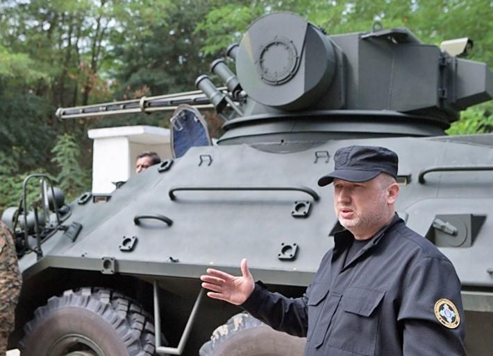 Александр Турчинов посетил бронетанковый завод