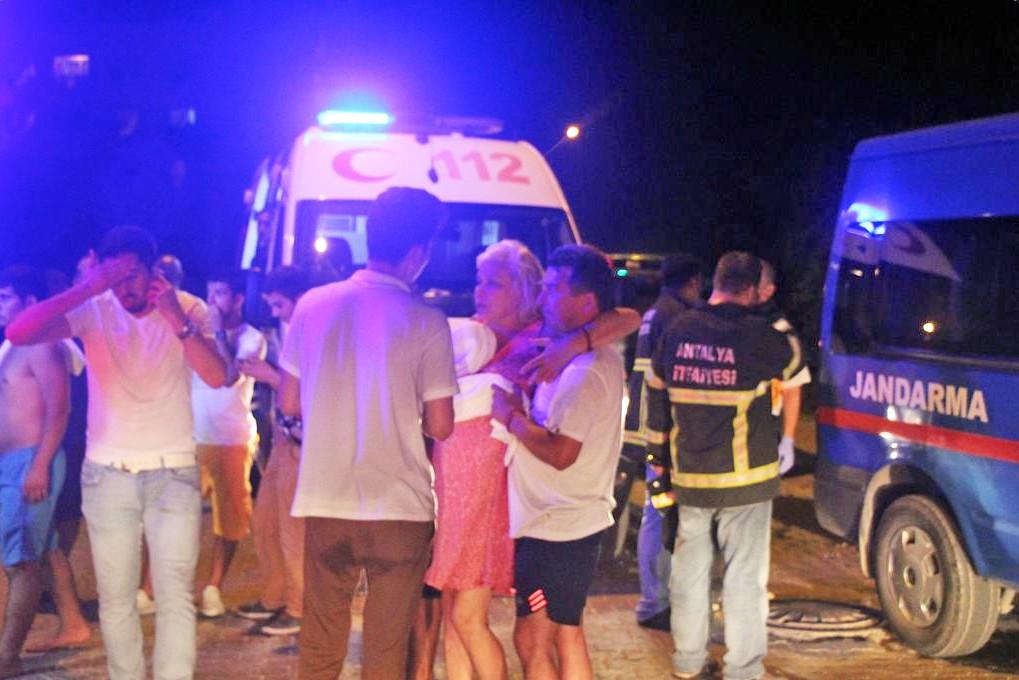 Турецкая скорая помощь на месте происшествия