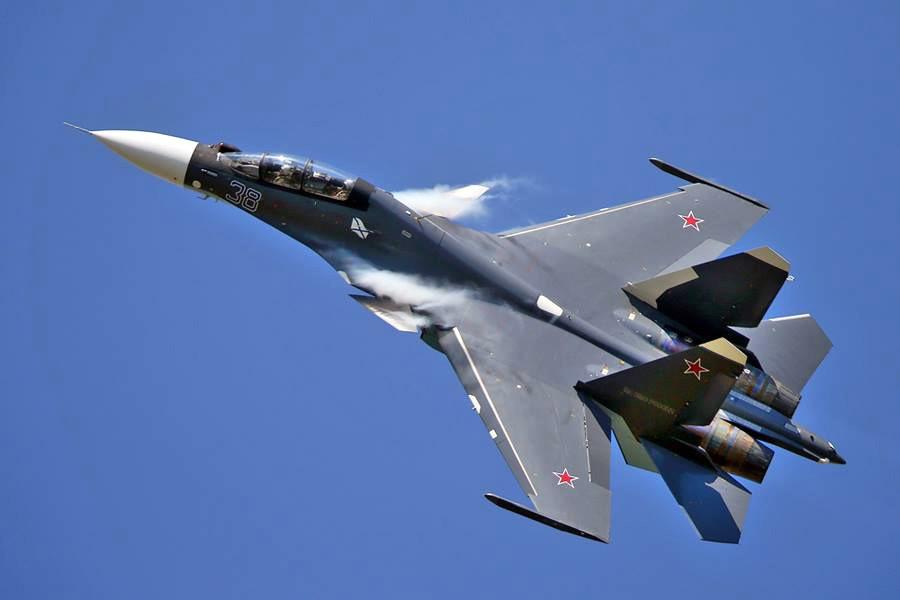 Самолет СУ-30 СМ