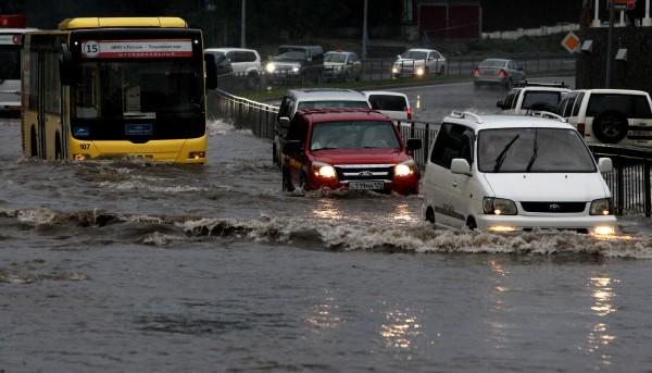 "Последствия тайфуна ""Гони"" во Владивостоке"