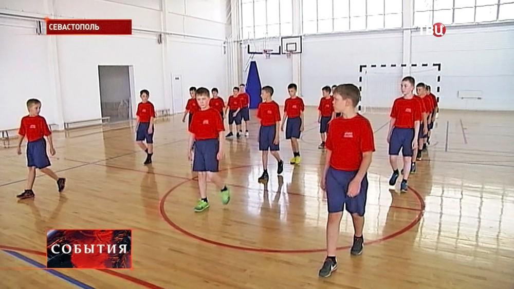 Курсанты в Севастопольском кадетском училище
