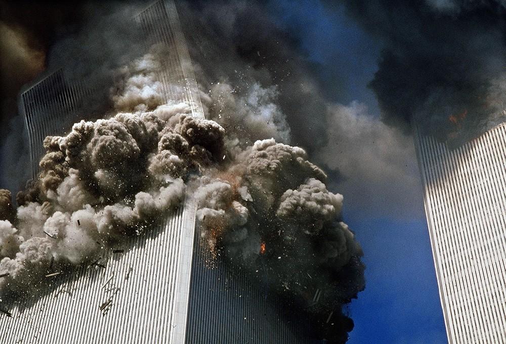 Обрушение башен Всемирного торгового центра в Нью Йорке 11 сентября