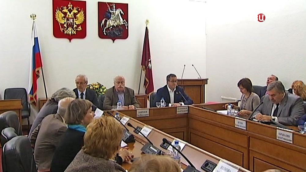 Слушания по установке памятника Святому князю Владимиру в Москве