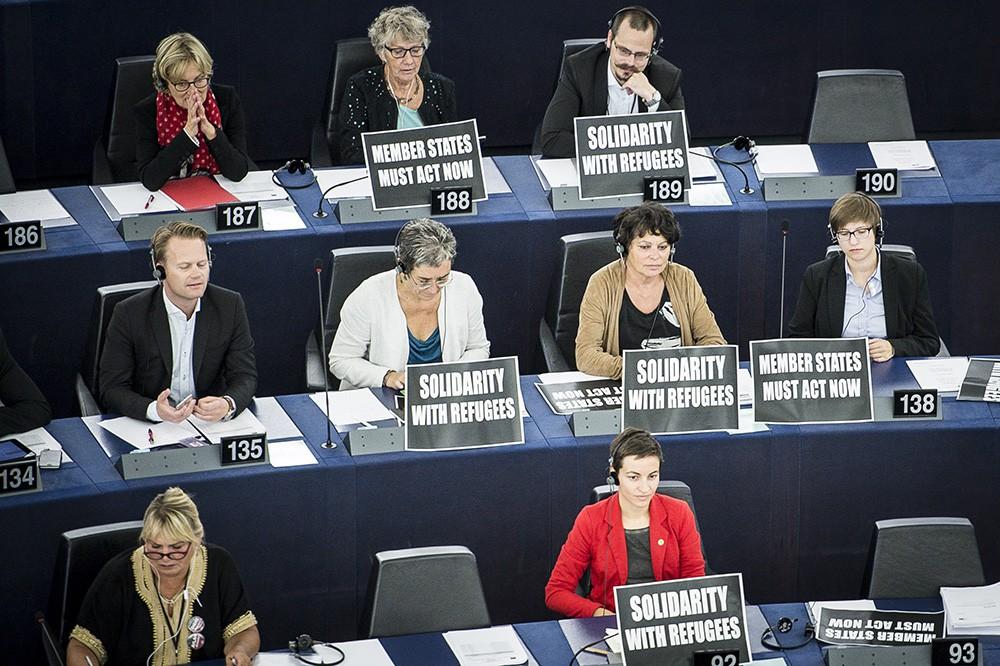 Заседание Европарламента по проблеме миграции