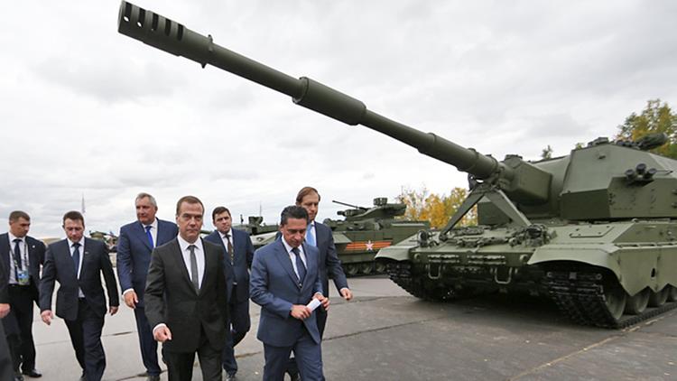 Дмитрий Медведев посетил Международную выставку вооружения