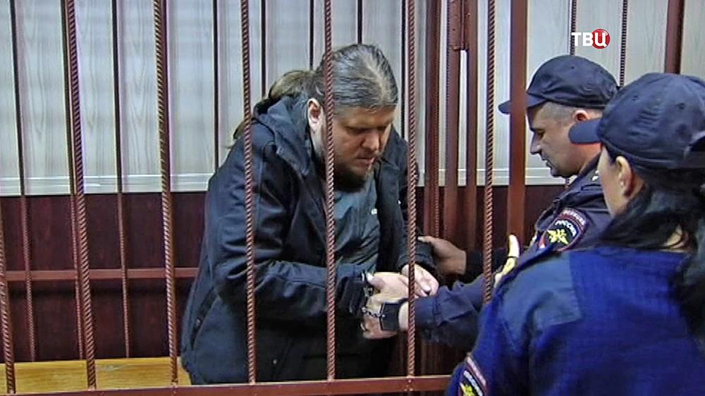 """Руководитель секты """"бога Кузи"""", Андрей Попов в суде"""