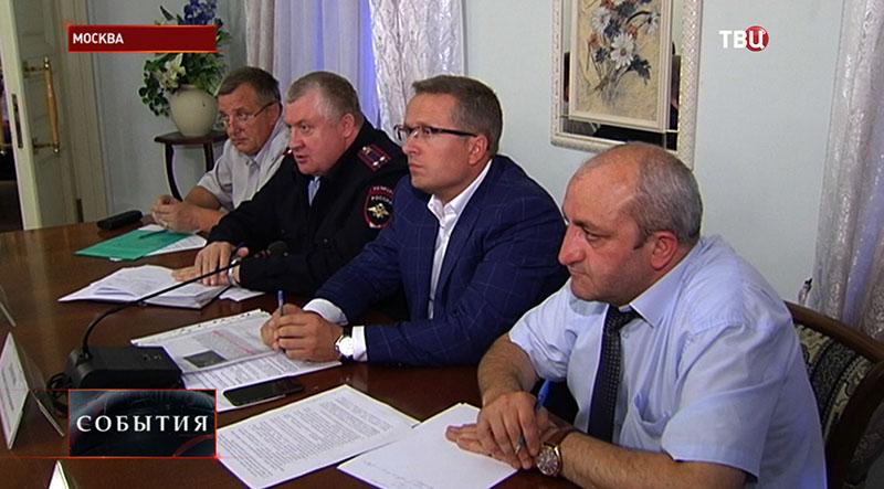 Встреча руководителей управ с жителями