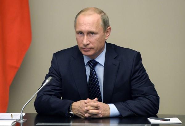 Президент России Владимир Путин проводит заседание Совета безопасности РФ