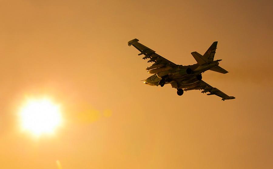 Штурмовик Су-25 ВКС России
