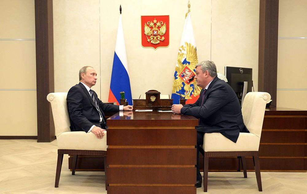 Президент России Владимир Путин и врио Главы Республики Коми Сергей Гапликов