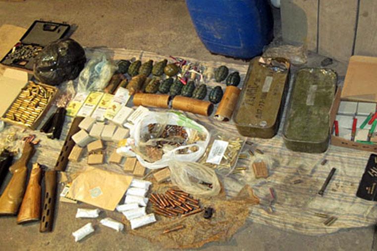 Изъятое нелегальное оружие на Украине