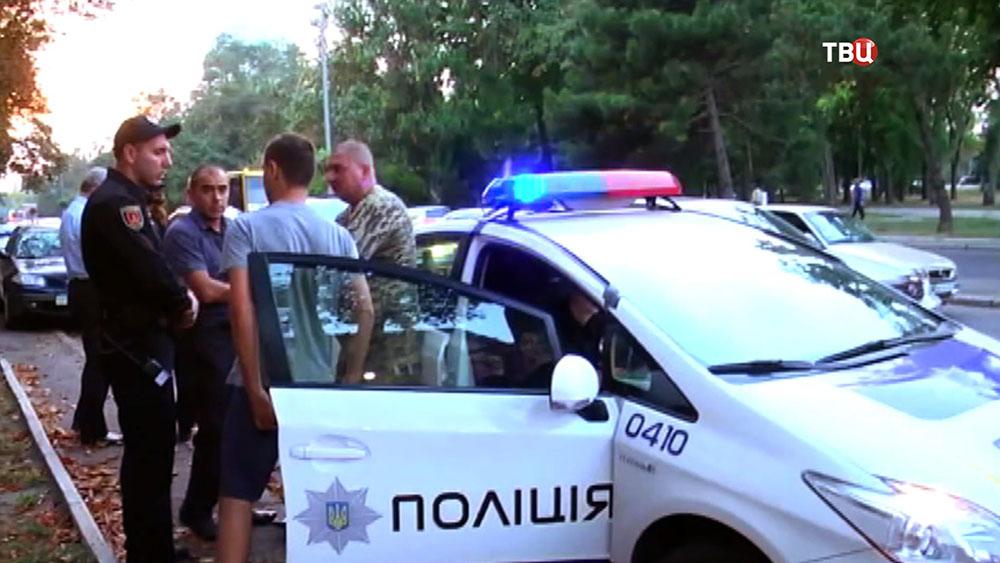 Украинская полиция задержала пьяного полковника и генерала украинской армии
