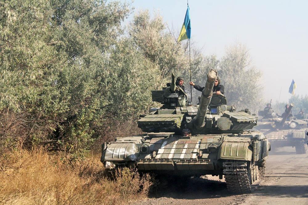 Танковая колонна украинской армии в Донбассе